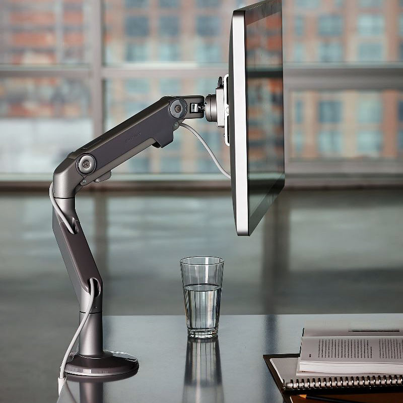 17_humanscale_m8_monitor_arm_edit6.jpg